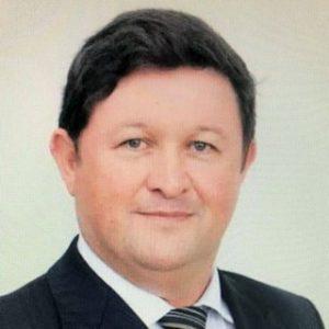 Prof. Dr. Édison Hüttner